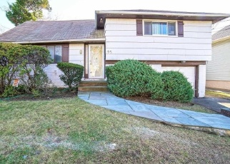 Foreclosed Home in Oceanside 11572 W HENRIETTA AVE - Property ID: 4446559181