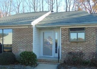 Foreclosed Home in Kinston 28504 FOX RUN DR - Property ID: 4446597739