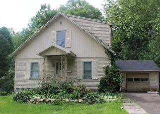 Foreclosed Home in Torrington 06790 NEW LITCHFIELD ST - Property ID: 4446669558