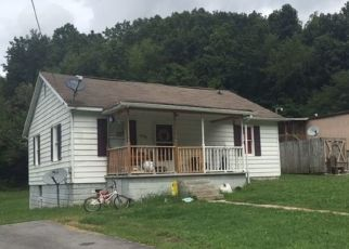 Foreclosed Home in Richlands 24641 FARMER ST - Property ID: 4446730886