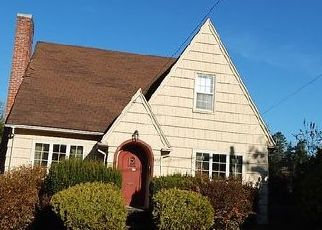 Foreclosed Home in Coquille 97423 S 1ST AVE - Property ID: 4446746648