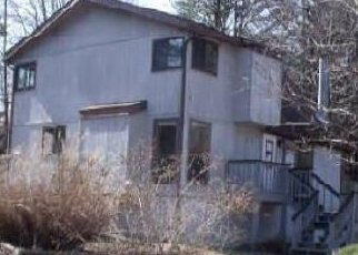 Foreclosed Home in Hedgesville 25427 POWHATAN TRL - Property ID: 4446829420