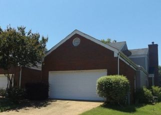 Foreclosed Home in Memphis 38141 MARTHAS PT - Property ID: 4446853510