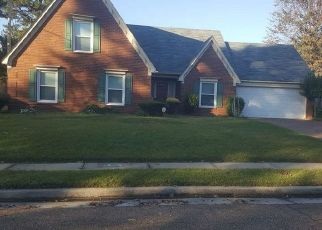 Foreclosed Home in Memphis 38125 JUNIPER RIDGE DR - Property ID: 4447262577