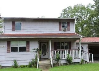 Foreclosed Home in Anahuac 77514 CAIN RD - Property ID: 4447298489