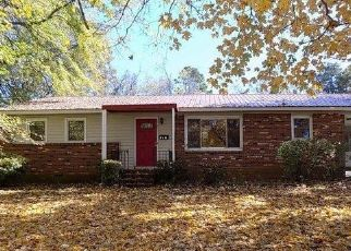 Foreclosed Home in Winston Salem 27104 QUEENSBURY RD - Property ID: 4447392659