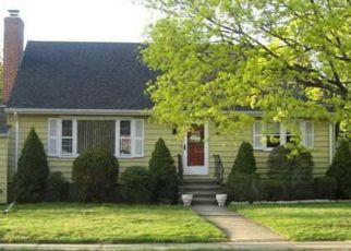 Foreclosed Home in Stratford 06614 FAIRFAX DR - Property ID: 4447411486