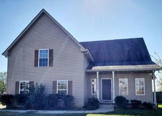 Foreclosed Home in Clarksville 37042 FOXRUN LN - Property ID: 4447528874