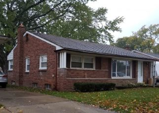 Foreclosed Home in Redford 48240 FOX - Property ID: 4447579225