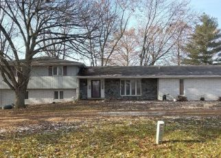 Foreclosed Home in Carlyle 62231 COREY RD - Property ID: 4447581419
