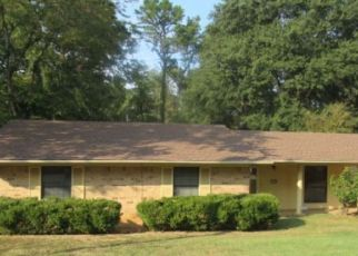 Foreclosed Home in Longview 75604 ROLLING HILLS DR - Property ID: 4447605507