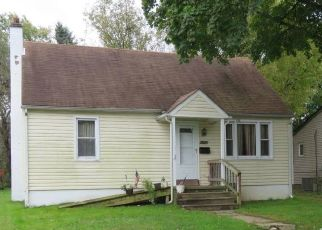 Foreclosed Home in Bensalem 19020 CLINTON AVE - Property ID: 4447667705