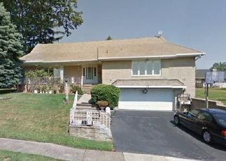 Foreclosed Home in Clifton 07013 LYNN DR - Property ID: 4447793852