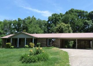 Foreclosed Home in Centerville 37033 COUNTRY CLUB DR - Property ID: 4447806540