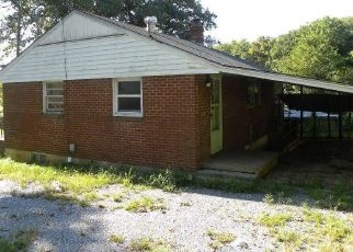 Foreclosed Home in Lynchburg 24502 TWIN OAK DR - Property ID: 4447929611