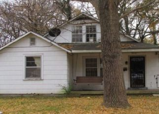 Foreclosed Home in Memphis 38112 COLEMAN AVE - Property ID: 4447945374