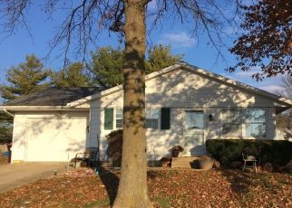 Foreclosed Home in Clinton 61727 HOLLY DR - Property ID: 4447970786