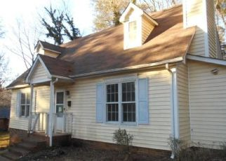 Foreclosed Home in Winston Salem 27106 LUTHER GREEN RD - Property ID: 4447999245