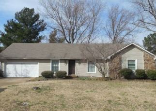 Foreclosed Home in Jackson 38305 GLENWOOD DR - Property ID: 4448053107