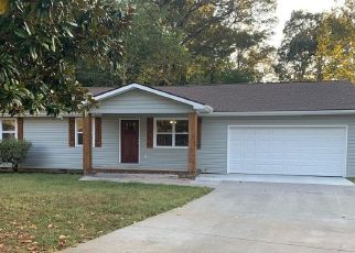 Foreclosed Home in Maryville 37804 EVA JEAN DR - Property ID: 4448271224