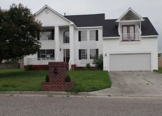 Foreclosed Home in Chesapeake 23322 HILLTOP DR - Property ID: 4448341755