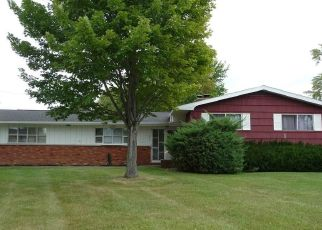 Foreclosed Home in Hamburg 14075 BROOKWOOD DR - Property ID: 4448545398