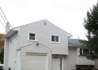 Foreclosed Home in Belford 07718 MACKEY AVE - Property ID: 4448819572