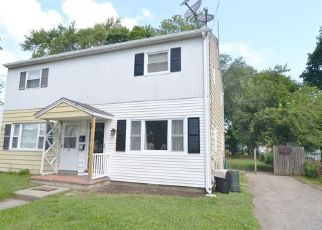 Foreclosed Home in Stratford 06615 WOOSTER AVE - Property ID: 4448872124