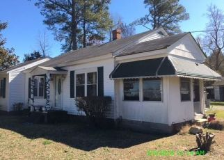 Foreclosed Home in Sedley 23878 IVOR RD - Property ID: 4449124851