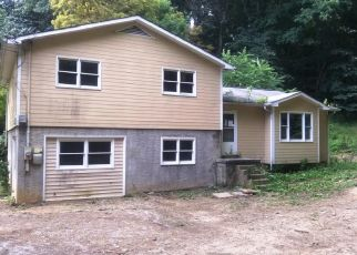 Foreclosed Home in Bristol 37620 SPERRY CIR - Property ID: 4449262812