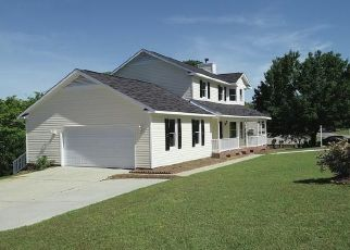Foreclosed Home in Fayetteville 28311 GREEN VALLEY RD - Property ID: 4449297854