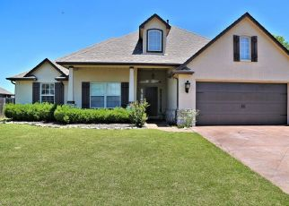 Foreclosed Home in Glenpool 74033 COURTNEY LN - Property ID: 4449322363