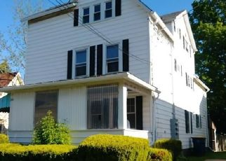 Foreclosed Home in Lockport 14094 SOUTH ST - Property ID: 4449346458