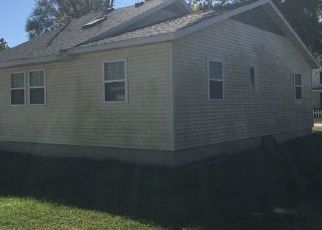 Foreclosed Home in Colchester 62326 N CHARLES ST - Property ID: 4449493618
