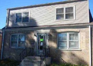 Foreclosed Home in Riverdale 60827 S LOWE AVE - Property ID: 4449582972
