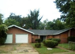 Foreclosed Home in East Saint Louis 62205 N 27TH ST - Property ID: 4449807194