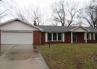 Foreclosed Home in Muncie 47304 N GREENBRIAR RD - Property ID: 4449845305
