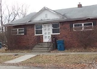 Foreclosed Home in Mount Vernon 62864 S 21ST ST - Property ID: 4449885155