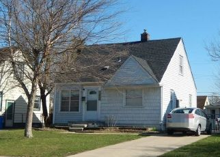 Foreclosed Home in Dearborn Heights 48125 DARTMOUTH ST - Property ID: 4449970122