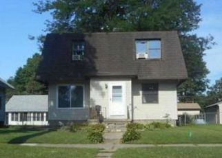 Foreclosed Home in Cedar Rapids 52404 J ST SW - Property ID: 4450086634
