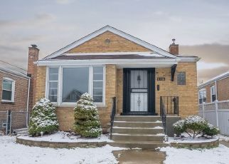 Foreclosed Home in Chicago 60652 S TROY ST - Property ID: 4450104597