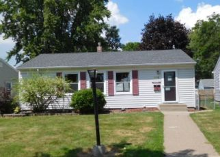 Foreclosed Home in Saint Paul 55106 IOWA AVE E - Property ID: 4450550447