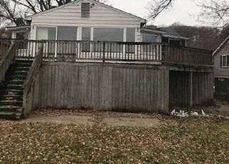 Foreclosed Home in Le Claire 52753 GREAT RIVER RD - Property ID: 4450558775