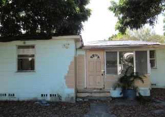 Foreclosed Home in Saint Petersburg 33714 58TH AVE N - Property ID: 4450582864