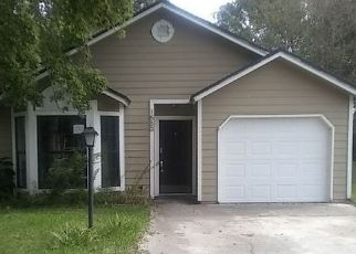 Foreclosed Home in Middleburg 32068 YUKON CT - Property ID: 4450587679
