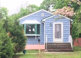 Foreclosed Home in Brentwood 11717 BRENTWOOD PKWY - Property ID: 4450716438