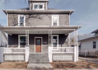 Foreclosed Home in Clinton 61727 E JEFFERSON ST - Property ID: 4450764166