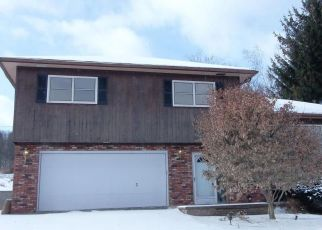 Foreclosed Home in Factoryville 18419 GERMAN HILL RD - Property ID: 4450817615