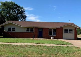 Foreclosed Home in Plainview 79072 W 19TH ST - Property ID: 4450824170