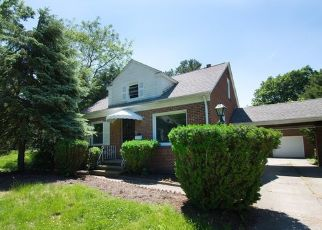 Foreclosed Home in Euclid 44117 GLENRIDGE RD - Property ID: 4450937621